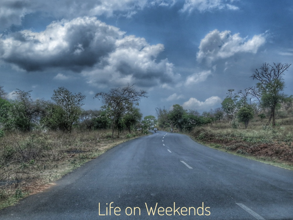 Life on weekends, the road to Munnar