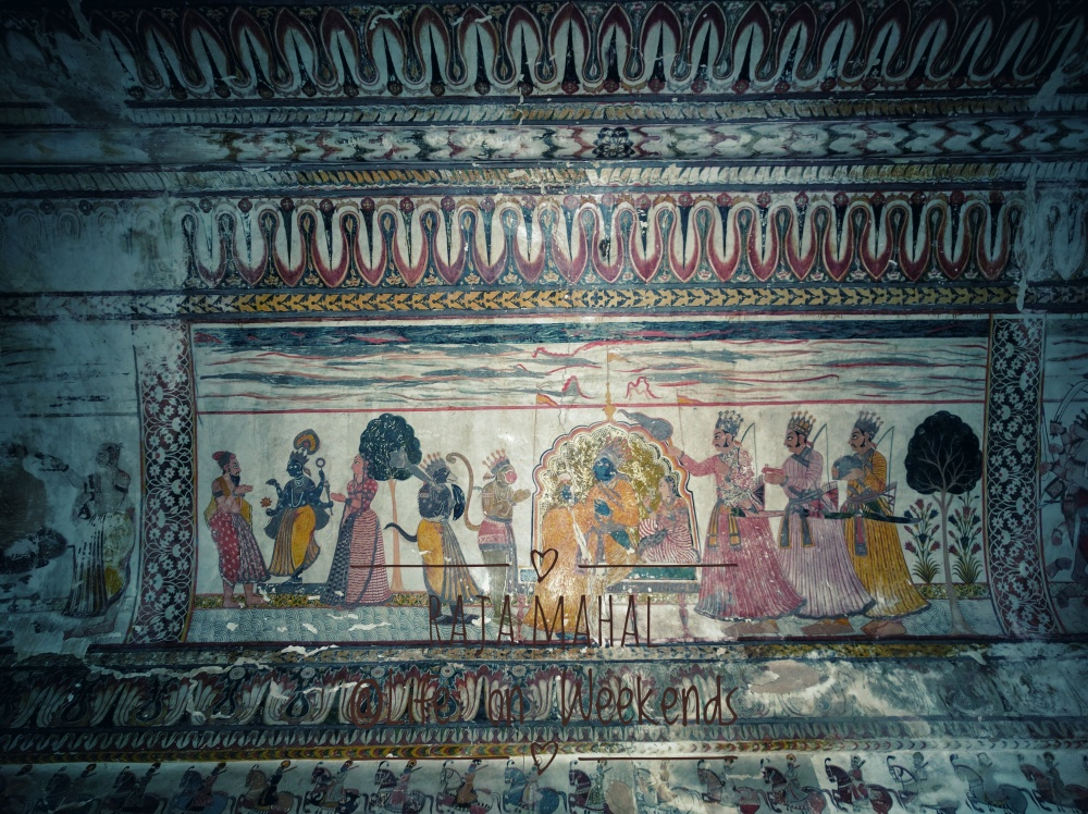 Murals in Raja Mahal, Orchha fort complex @Life on Weekends