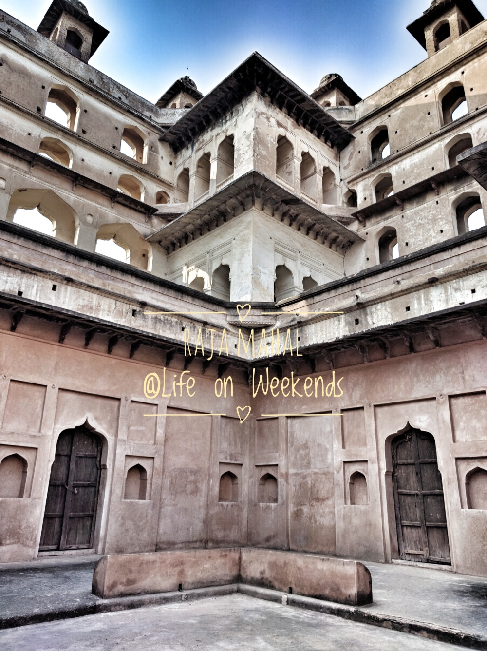 Raja Mahal, Orchha fort complex @Life on Weekends